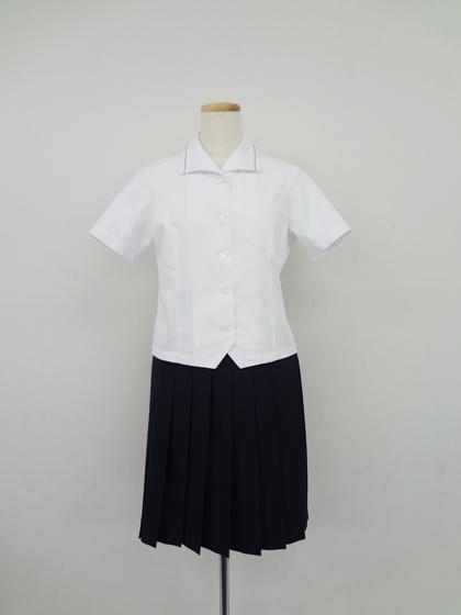 愛知県立瀬戸西高等学校平成27年度入学生より 夏の制服変更のお知らせ